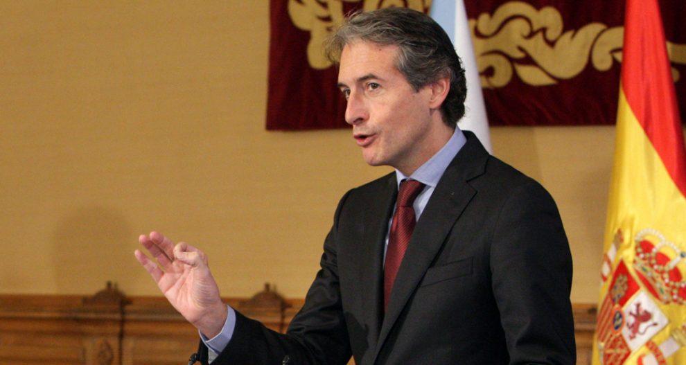 """Photo of O ministro de Fomento plantexa se paga a pena a variante exterior do AVE """"para aforrar só catro minutos"""""""