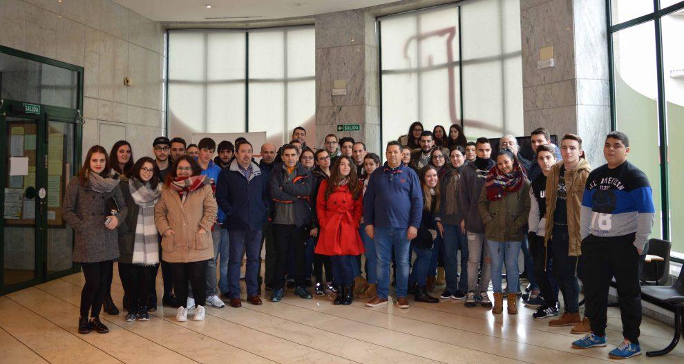 Photo of Os alumnos dos centros de Vilamarín e Manuel Antonio de Vigo visitaron o territorio da D.O. Monterrei
