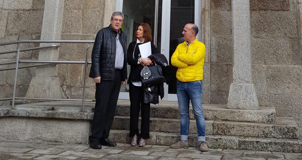 Photo of Díaz Mouteira reúnese cos alcaldes de Arnoia e Leiro para falar das necesidades dos concellos