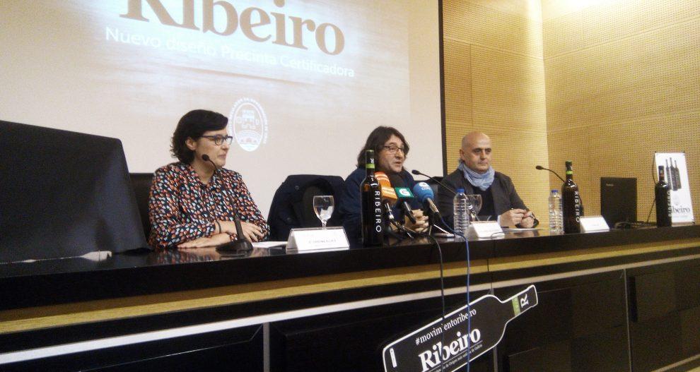 Photo of O Ribeiro actualiza a súa contraetiqueta certificadora corenta anos despois