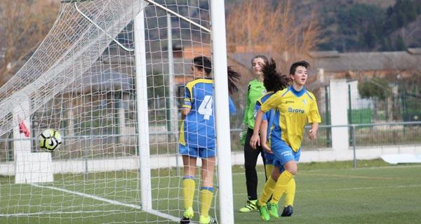 Photo of O Rúa feminino golea ao Atlético Arousana, no Aguillón