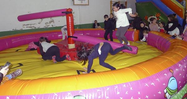Photo of Xogos e música na festa infantil do Entroido, no Barco