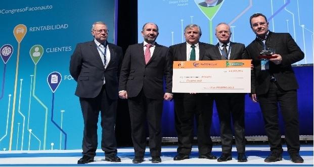 Photo of Os concesionarios ourensáns reciben un premio pola súa labor solidaria