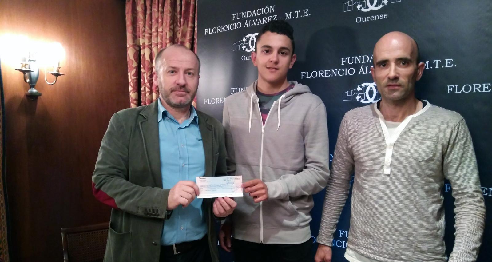 Photo of O campión de España de ciclocross, Iván Feijóo, recibe unha beca de 2.500 euros da Fundación Florencio Álvarez