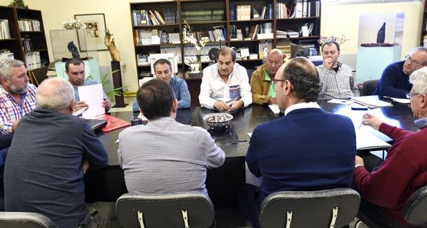 Photo of Segunda reunión fallida para constituír a mesa negociadora do convenio da lousa