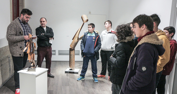 """Photo of Ábrese ao público a mostra """"Momentos sen tempo"""" en Verín"""