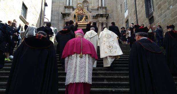 Photo of O traslado de Santa María Nai pecha a Semana Santa na cidade das Burgas