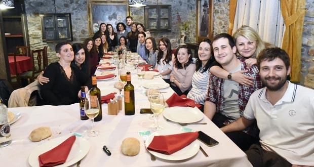 Photo of Cea de compañeiros da residencia Os Pinos da Rúa, en Casa Lameiro