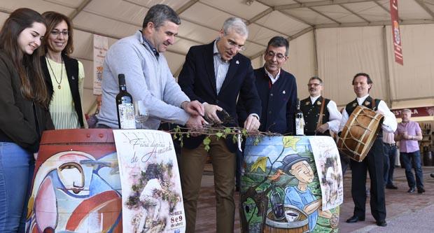 Photo of O tradicional corte de bacelos abre a XXXVII Feira do Viño de Amandi, en Sober