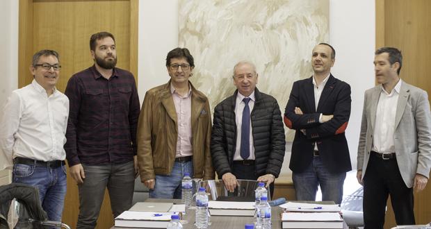 """Photo of A serie """"Las mil Galicias"""", publicada no ABC, gaña o premio Xosé Aurelio Carracedo de Xornalismo"""