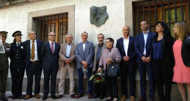 """Photo of """"O pobo de Ourense ao seu fillo predilecto, Carlos Casares Mouriño"""""""