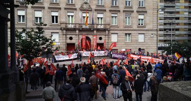 Photo of Ourense maniféstase no Primeiro de Maio contra a reforma laboral e a perda de poboación