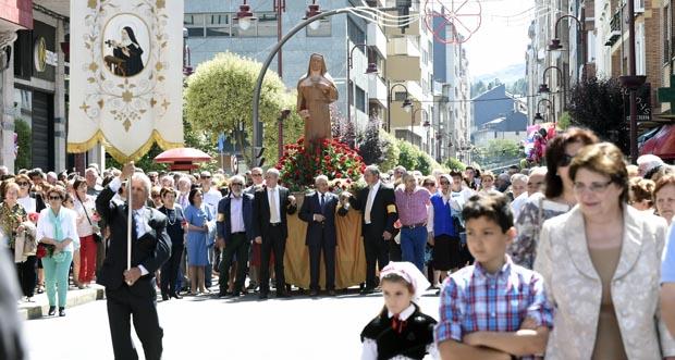 Photo of Multitudinaria procesión de Santa Rita polo centro do Barco