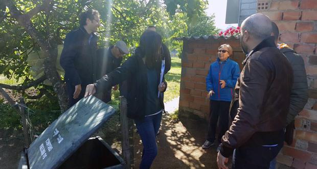 Photo of O Concello revisa cos veciños de Seixalbo a segunda fase da campaña de compostaxe