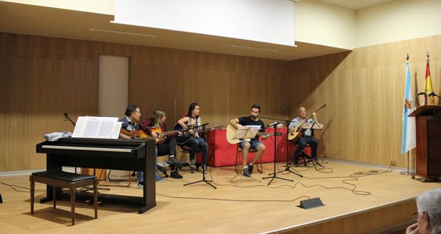 """Photo of O CEIFP de """"A Farixa"""" celebra un recital en homenaxe a Carlos Casares"""