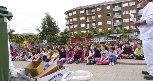 Photo of Lección sobre reciclaxe nos colexios Julio Gurriarán e Condesa de Fenosa do Barco