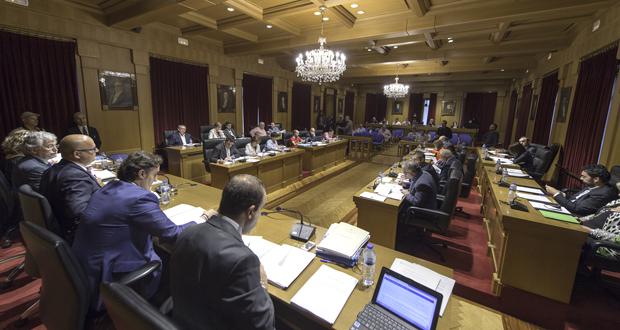 Photo of A Deputación aproba por unanimidade honrar a Casares coa medalla e ouro