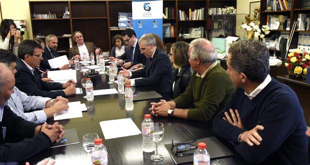 Photo of O conselleiro de Economía reúnese co sector da lousa en Sobradelo