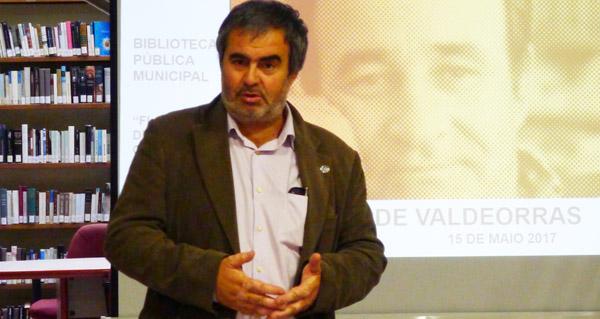 Photo of Roteiro pola vida e a obra de Carlos Casares da man de Vázquez-Monxardín, no Barco