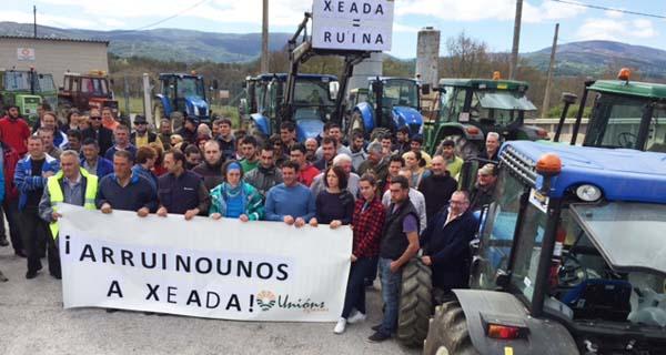Photo of Tractorada na estrada Viana-A Gudiña para pedir axudas polos danos da xeada