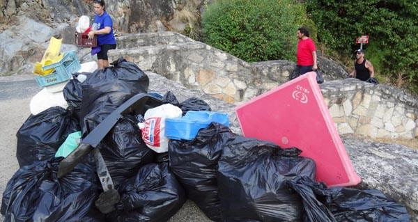 """Photo of O Concello de Parada de Sil únese a """"Xornada de pesca do peixe lixo"""" 2017"""