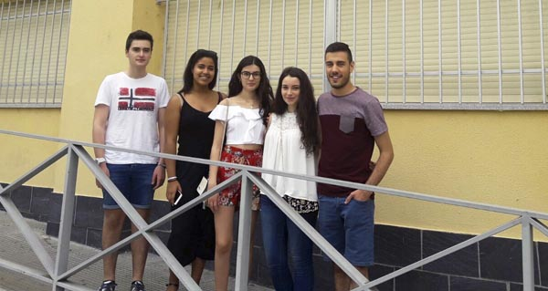 Photo of Cinco alumnos do IES Lauro Olmo conseguen a excelencia académica na ABAU 2017