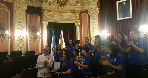 Photo of O Envialia FSF exhibirá a Copa da Raíña dende o balcón principal do Concello