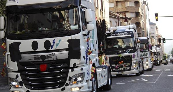 Photo of A procesión de camións percorre as rúas do Barco