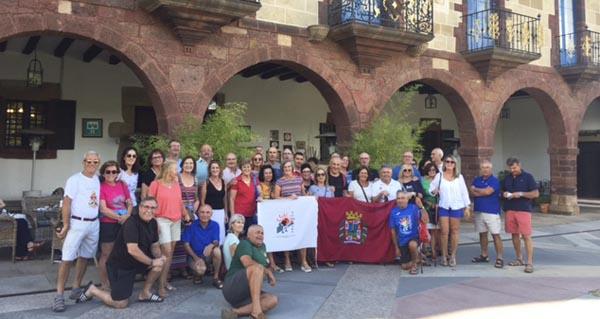 Photo of Peregrinos murcianos fan parada no Pazo do Castro rumbo a Compostela polo Camiño de Inverno