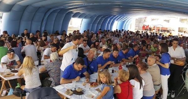 Photo of O Concello de Trives reparte preto de 500 racións no xantar da XLIV Festa da Bica