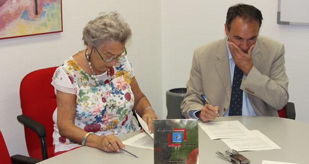Photo of Afaor asina un convenio para a axuda a familias con enfermos de Alzheimer