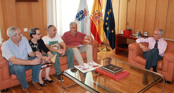 Photo of O subdelegado do Goberno en Ourense recibe á comisión de festas da Ponte