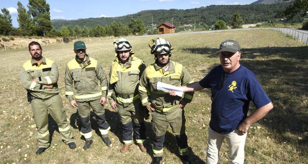 """Photo of A CIG pide o """"retorno inmediato"""" do helicóptero de incendios á base de Vilanova"""