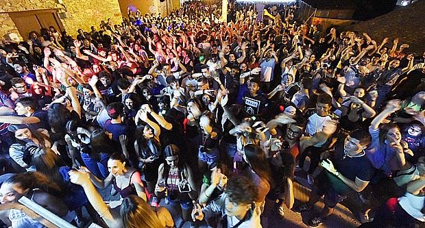 Photo of Máis de 1.400 persoas, de festa polas adegas de Oval (Rubiá)