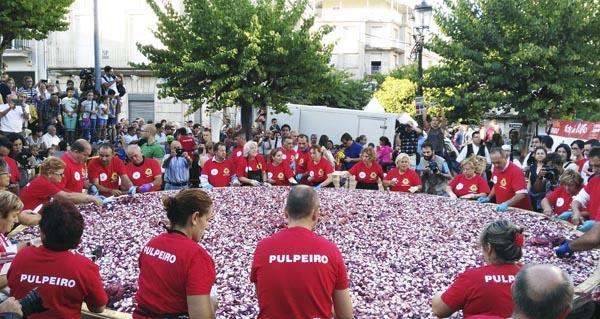 Photo of A tapa de pulpo máis grande do mundo, no Carballiño
