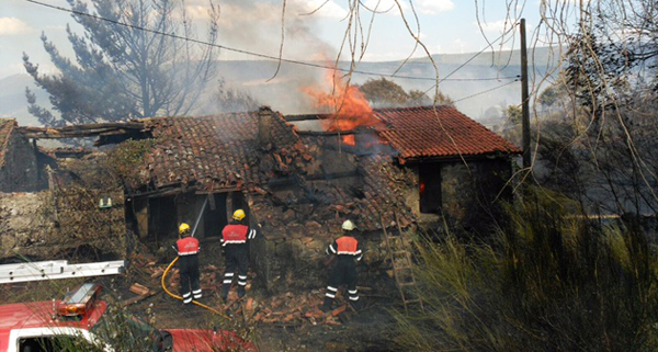 Photo of O lume toca de cheo a Amoroce (Celanova) e Quereño