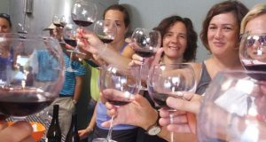 """Trives mergúllase na cultura vitivinícola coa actividade """"Vivamos o viño"""""""