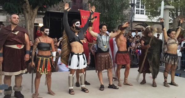 """Photo of Multitudinario desfile """"Qui-romano"""" e espectacular loita de gladiadores en Quiroga"""