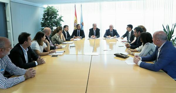 Photo of O conselleiro de Sanidade visita o hospital de Verín para explicar a reforma da Lei de Saúde