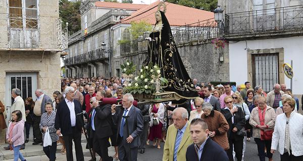 Photo of Multitudinaria procesión da Dolorosa na Pobra de Trives
