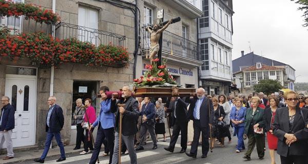 Photo of A procesión do Santo Cristo percorre as rúas de Trives