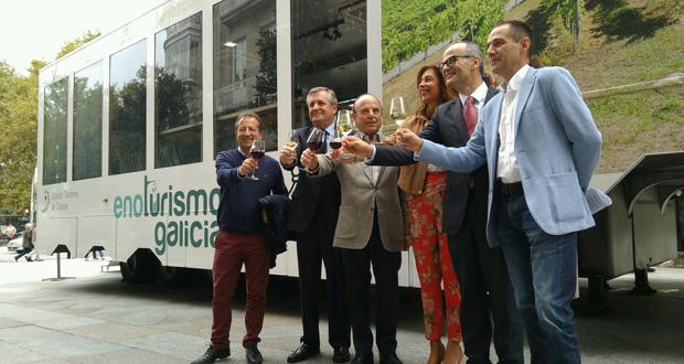 """Photo of O """"enotruck"""" de Enoturismo de Galicia chega a Ourense"""