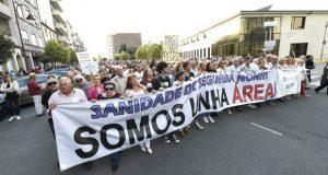 Milleiros de cidadáns do oriente ourensán saen á rúa para defender a área sanitaria do Barco