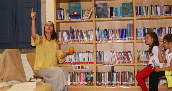 Photo of As estacións en contos con Celtia Figueiras na Biblioteca de Verín