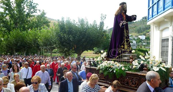 Photo of A imaxe do Nazareno, en procesión polo Barco