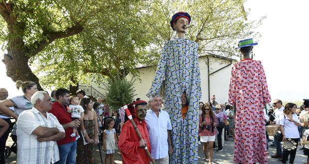 Photo of O Meco e as Pampórnigas fan a súa saída anual na Romaría da Ermida