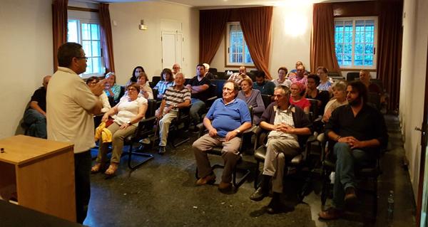 Photo of Charla en Manzaneda da Plataforma Sanitaria de Valdeorras sobre a reforma da Lei de Saúde