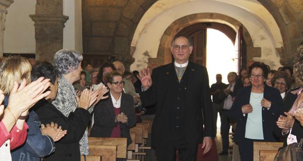Photo of Santo Estevo (A Rúa) homenaxea a Severino Pérez polos 50 anos como párroco