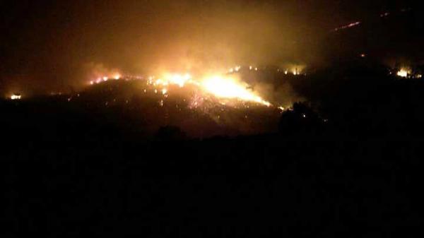 Photo of Noite de incendios no oriente ourensán
