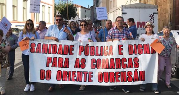 Photo of A Plataforma Sanitaria de Valdeorras, na manifestación de Monforte